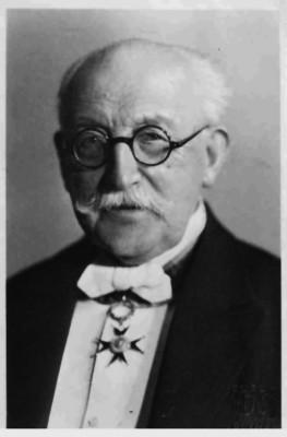 Prof. Bronisław Dembiński (1858-1939)