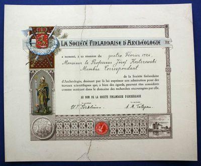 Dyplom członka Fińskiego Towarzystwa Prehistorycznego w Helsinkach (1926) po konserwacji